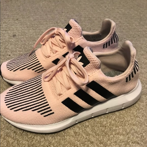 5af7184f2be02 adidas Other - Youth 7 women s 9 adidas swift run